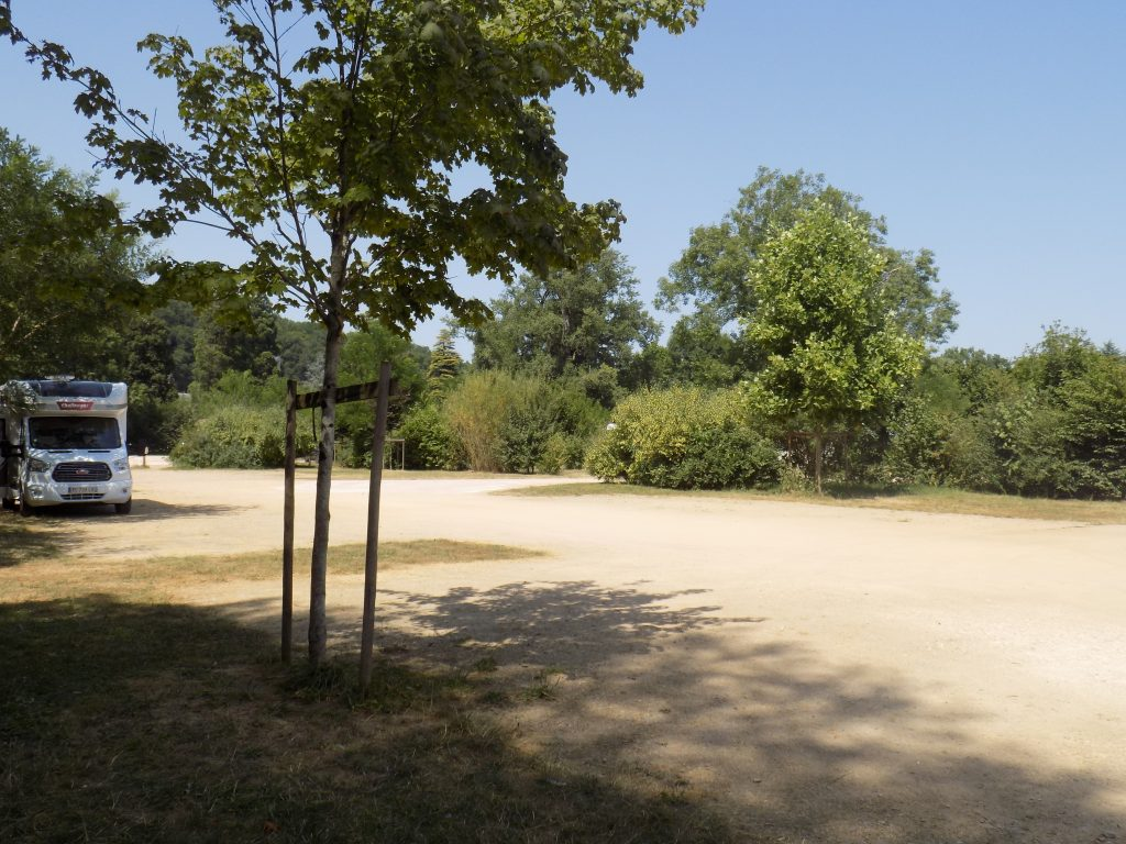 aire camping car Brantôme